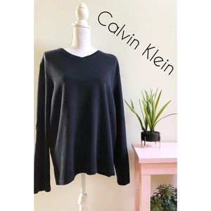 Calvin Klein Long Sleeve Sweater XL Navy and Black